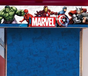 Worked with Design team and licensed division to create new store graphics for Marvel licensed goods within Del Sol Color Change stores worldwide. Creates dimensional header graphic with multiple layers for depth and texture. Created back panel to show off our Marvel apparel and give it a pop of color.
